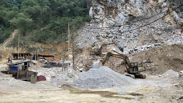Khu vực khai thác đá trái phép thuộc bản Tong, xã Trung Tiến, huyện Quan Hóa.