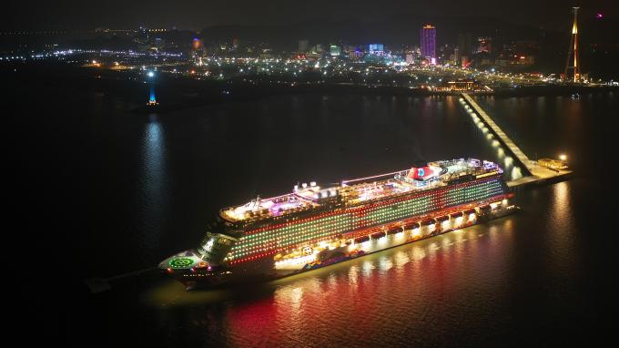 Cảng tàu khách quốc tế Hạ Long tạo dấu ấn mới cho du lịch Quảng Ninh.