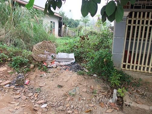 Chiếc lồng gà của nạn nhân thu được tại phườngThanh Trường,TP Điện Biên Phủ(Ảnh congan.dienbien.gov.vn).
