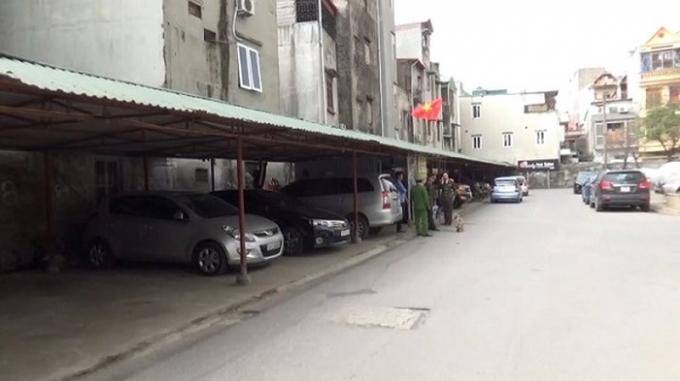 Tổ công tác kiểm tra tại bãi xe 151 Nguyễn Đức Cảnh.