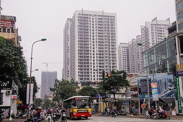 Chỉ phê duyệt đầu tư các khu chung cư, nhà cao tầng, trung tâm thương mại khi phù hợp với quy hoạch...