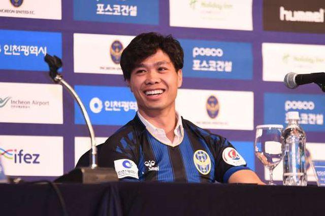 Công Phượng đầy tự tin trong màu áo Incheon United.