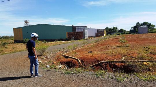 Một diện tích đất được các tổ chức, cá nhân phân lô bán đất nền trái phép làm phá vỡ quy hoạch TP Pleiku.