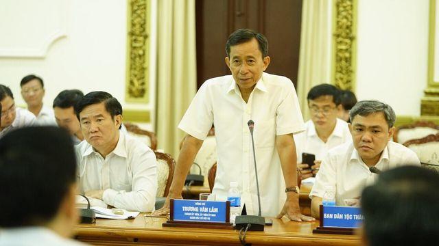 Giám đốc Sở Nội vụ Trương Văn Lắm cho biết có trường hợp cá biệt, cán bộ đi nước ngoài hơn 100 ngày chỉ trong 2 năm.