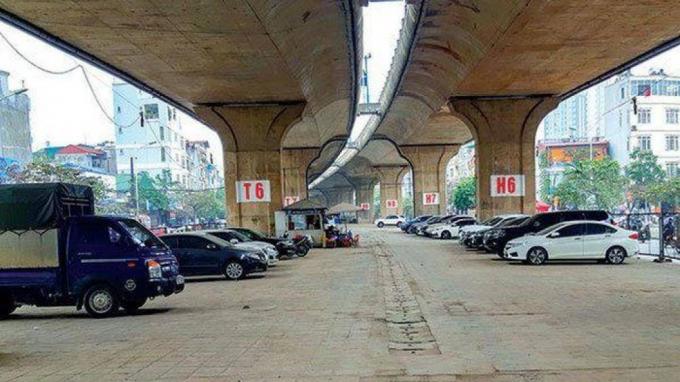 Hà Nội gặp khó khăn về giao thông tĩnh nên tận dụng mọi khả năng, mọi vị trí có thể để phục vụ nhu cầu đỗ, gửi xe của người dân.