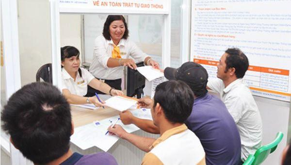 Cho phép nộp hộ tiền phạt VPHC qua bưu điện tạo thuận lợi hơn cho người dân. (Ảnh minh họa).