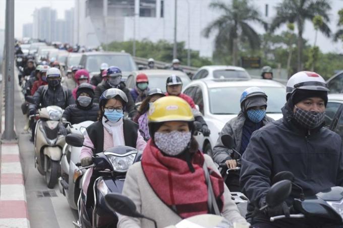 Hà Nội đang tiếp tục nghiên cứu việc cấm xe máy vào nội đô. Ảnh Trần Vương.