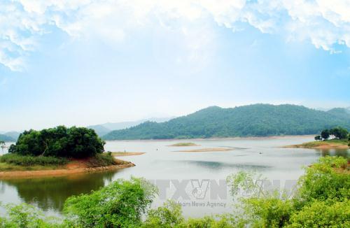 Một góc Hồ Núi Cốc (Thái Nguyên). Ảnh: Lan Anh/TTXVN.