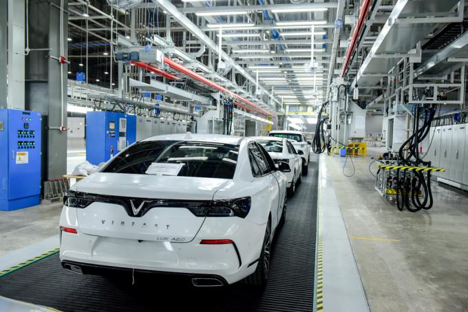 VinFast đưa 155 ô tô Lux ra nước ngoài thử nghiệm và kiểm định
