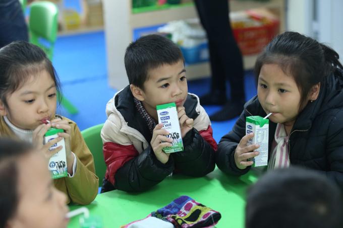 Nhiều phụ huynh muốn mỗi con được thêm 2-3 suất của chương trình sữa học đường nữa.