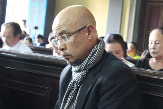 Ông Đặng Lê Nguyên Vũ (Chủ tịch HĐQT kiêm Tổng giám đốc Tập đoàn cà phê Trung Nguyên) tại phiên xử ly hôn vừa qua.