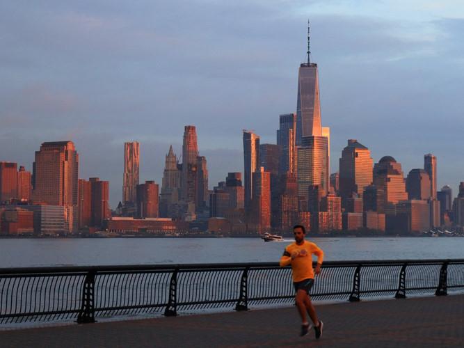 Tòa nhà duy nhất ở New York (Mỹ) lọt vào Top 10 là One World Trade Center với 541 m, 94 tầng.