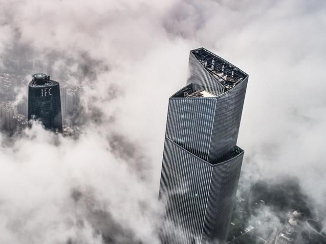 CTF Finance Centre làtòa nhà chọc trờihỗn hợp cao 530 m, 111 tầng tại Quảng Châu (Trung Quốc).