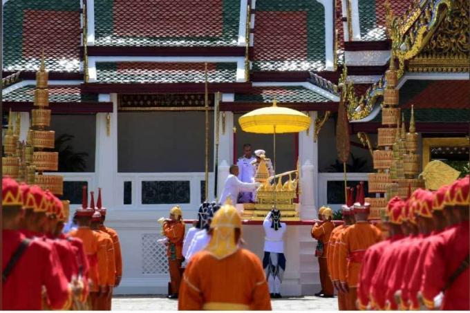 Lúc 10h sáng ngày 3/5, đám rước đầu tiên trong khuôn khổ lễ đăng cơ của Vua Thái Lan Maha Vajiralongkorn đã diễn ra. (Nguồn: Nation).
