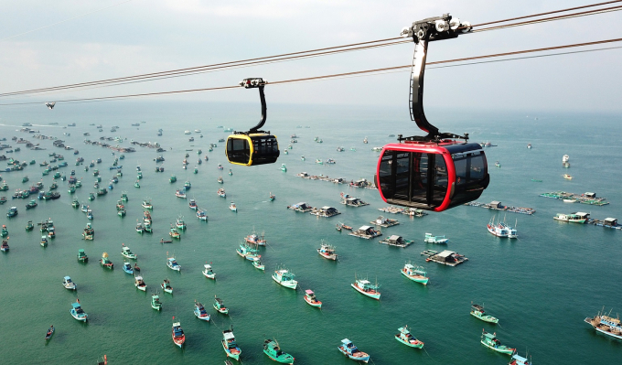 Cáp treo Hòn Thơm hút một lượng lớn khách du lịch tới Nam Đảo.