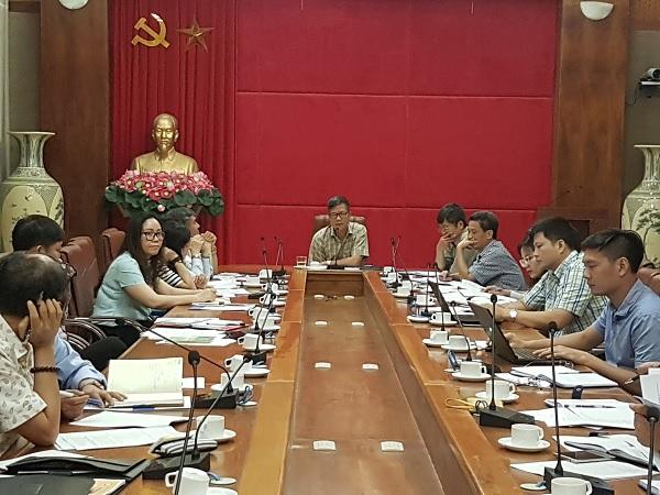 Phó Tổng Giám đốc Trần Đình Liệu chủ trì buổi làm việc.