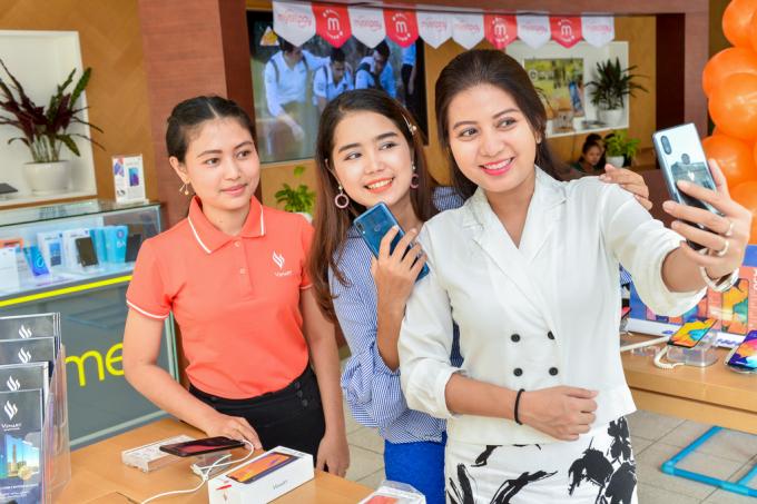 Các sản phẩm Vsmart sẽ được phân phối tới tay người tiêu dùng Myanmar thông qua gần 1.500 cửa hàng Công ty Strong Source.
