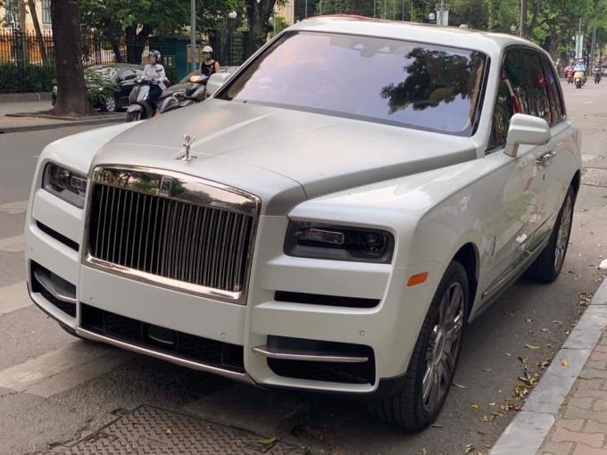 SUV siêu sang Rolls-Royce Cullinan đầu tiên về Việt Nam.