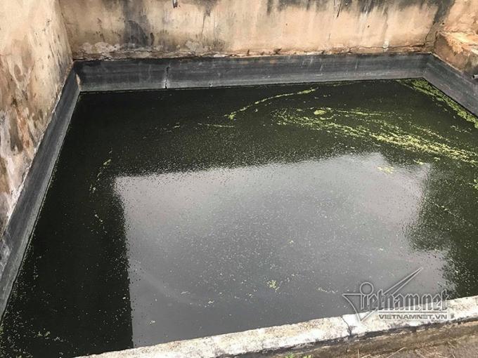 Nước phía trong nhà máy rác.