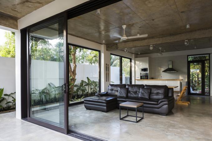Trần nhà đổ bê tông cách nhiệt cho căn phòng vào mùa nắng nóng.