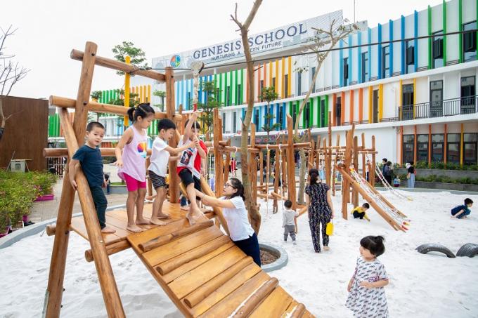 Genesis School là ngôi trường liên cấp chất lượng quốc tế tuyển sinh tại khu vực quận Tây Hồ, Cầu Giấy và các khu vực lân cận từ năm học 2019 – 2020.