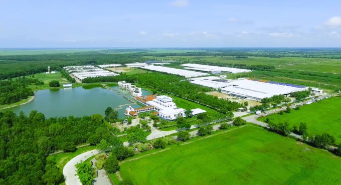"""""""Resort"""" nổi bật lên như một ốc đảo xanh mát giữa cái nắng nóng của vùng đất Tây Ninh."""