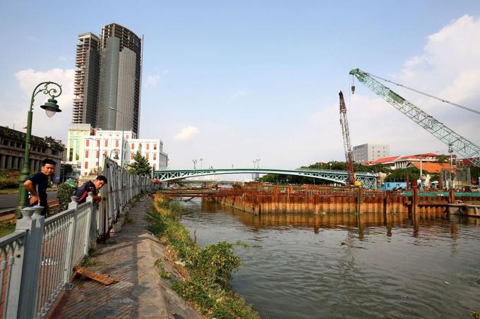TP.HCM ưu tiên cải tạo lại hệ thống thoát nước, nạo vét kênh rạch… với nhu cầu vốn hơn 73.000 tỷ đồng. Ảnh: Lê Tiên.