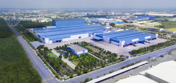 Nhà máy sữa Việt Nam có công suất siêu lớn, lên đến 800 triệu lít sữa/năm.