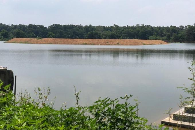 Hòn đảo mới được san gạt mặt bằng mà PV Lao Đông ghi nhận vào thời điểm giữa tháng 6.2019. Ảnh: TC - CN.