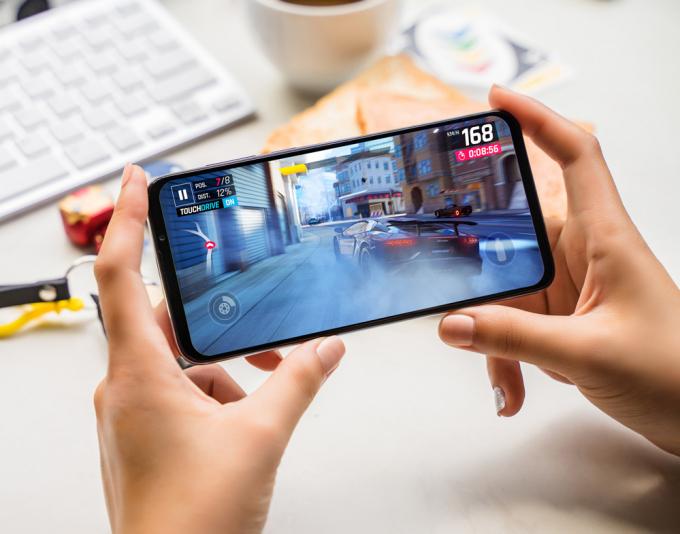 Hiệu suất hoạt động vượt trội các smartphone khác cùng phân khúc.