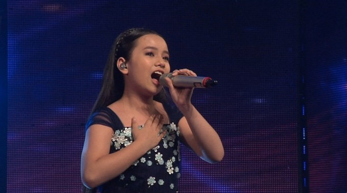 Khánh Linh thể hiện ca khúc