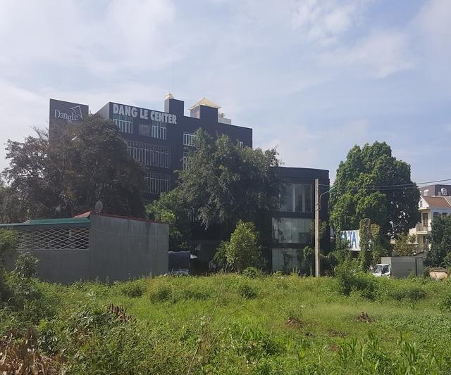 Trung tâm trưng bày sản phẩm và cũng là văn phòng hoạt động của công ty Đặng Lê (thành viên của tập đoàn Trung Nguyên) tại thành phố Buôn Mê Thuột