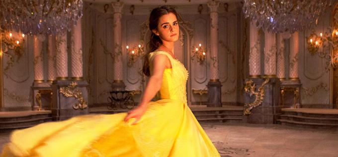Emma Watson đã thổi hồn vào mang đến cho khán giả một nàng Belle dịu dàng, nữ tính nhưng lại rất kiên cường.
