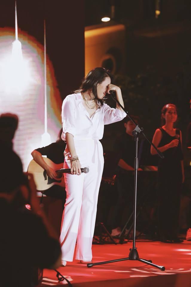 Mỹ Tâm cũng cho biết cô có 20 ca khúc hay, nhưng chỉ chọn ra 12 bài cho vào vol.9.