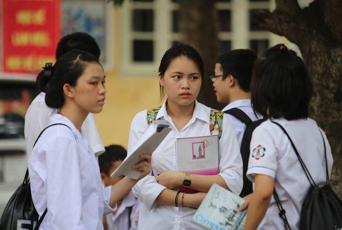 Thí sinh tại một kỳ thi tuyển vào lớp 10 ở Hà Nội