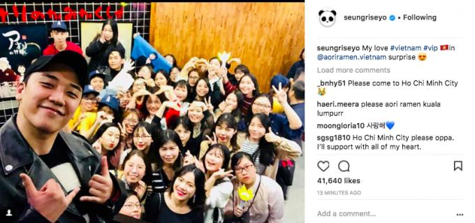 Seungri đăng ảnh chụp cùng fan Việt lên Instagram cá nhân.