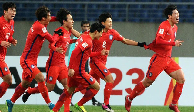 Các cầu thủ Olympic Hàn Quốc đứng trước cơ hội giành HCV Asiad 2018.