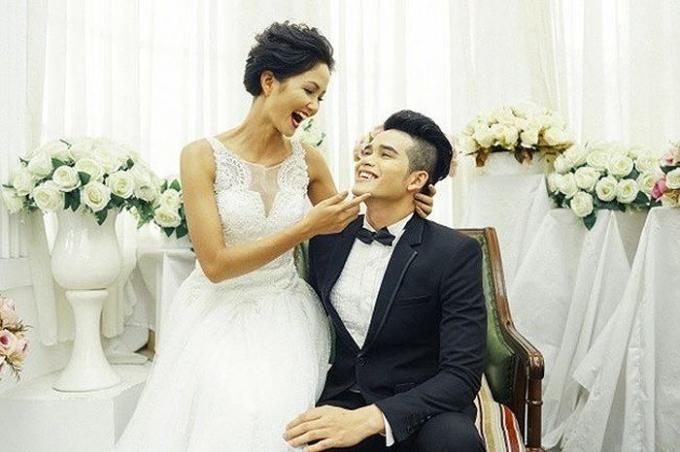 H'Hen Niê gây xôn xao cộng đồng mạng khi xuất hiện trong một bộ hình cưới đầy tình tứ.