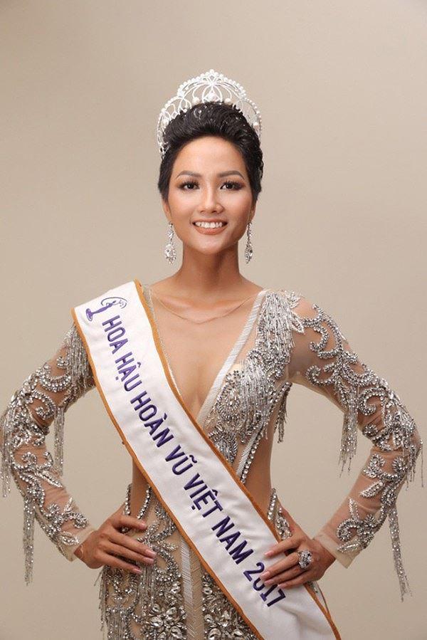 Một năm giữ cương vị Hoa hậu, H'hen Niê luôn hoàn thành tốt nhiệm vụ của mình