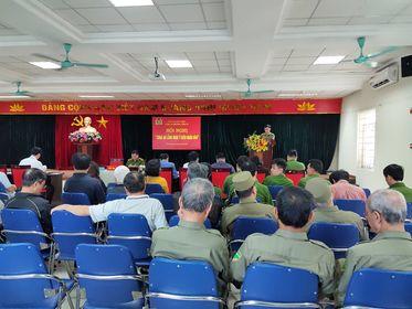 Đồng chí Thượng tá Võ Xuân Đương- Phó trưởng Công an quận Ba Đình chỉ đạo hội nghị