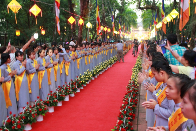 Đại lễ bắt đầu trang nghiêm tại chùa Diệu Đế.