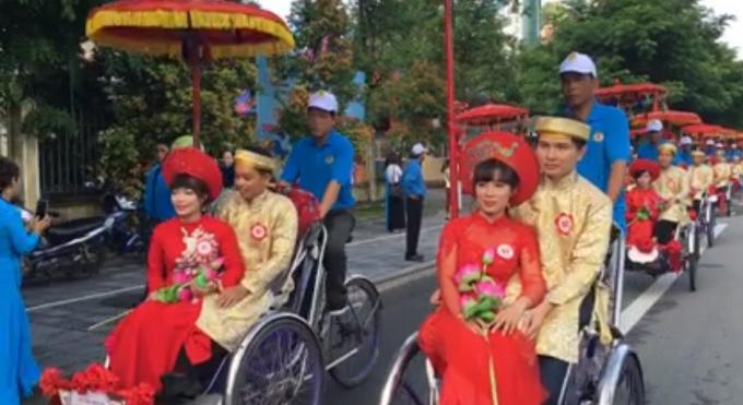 Ấn tượng đám cưới tập thể lần đầu tiên ở Huế