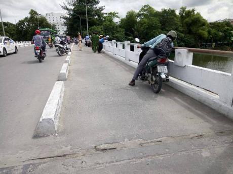 Chiếc cầu xảy ra vụ việc.