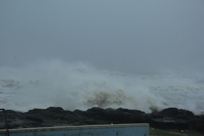 Sóng biển đã giảm hơn so với sáng nay 15/9.