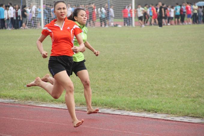 Đây cũng là dịp để các sinh viên giao lưu, cọ xát và thể hiện khả năng thể dục thể thao của mình.