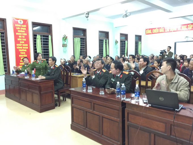 Đại diện lãnh đạo Phòng xây dựng phong trào toàn dân bảo vệ an ninh tổ quốc (PV28) thuộc Công an tỉnh Thừa Thiên Huế cùng với đại diện lãnh đạo phường Phú Hiệp tại buổi tuyên truyền...
