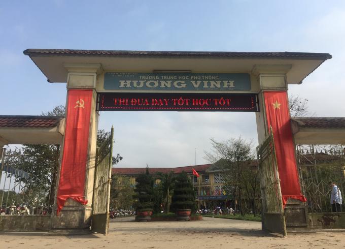 Được biết đây là lần thứ 5 trường tổ chức Ngày thơ Việt Nam.