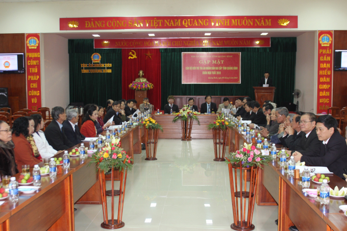 Lãnh đạo TANDtỉnh Quảng Bìnhđã tổ chức buổi gặp mặttoàn thể cán bộ hưu trí Tòa án nhân dânhai cấptỉnh QuảngBìnhlần thứI,năm 2018.