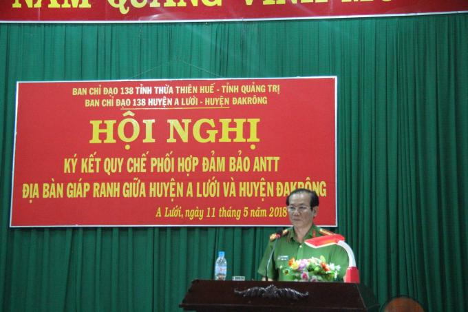 Đại tá Nguyễn Minh Phương Trưởng CA huyện A Lưới phát biểu tông kết bế mạc hội nghị.