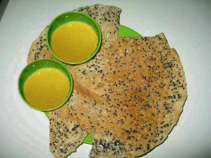 Bánh tráng xúc chè kê đặc biệt trong ngày Tết Đoan Ngọ.